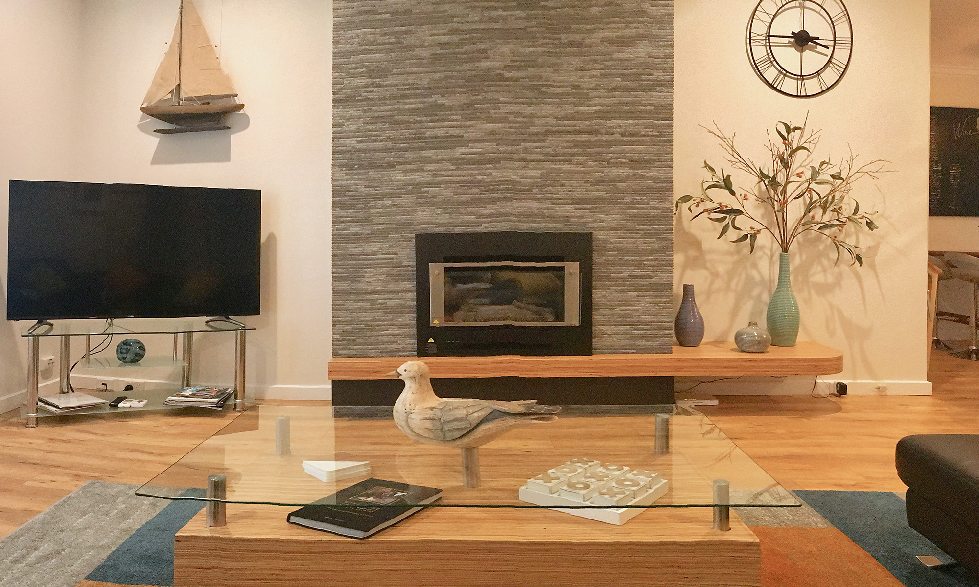 Adelaide beach holiday accommodation spacious lounge